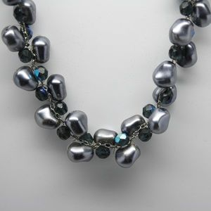 Jewelry - Grey pearl beads with blue beaded accent necklace